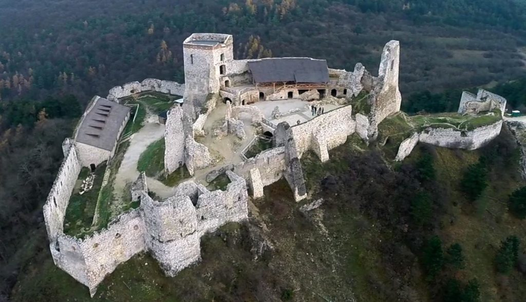 Чахтіцкий замок/Čachtický hrad